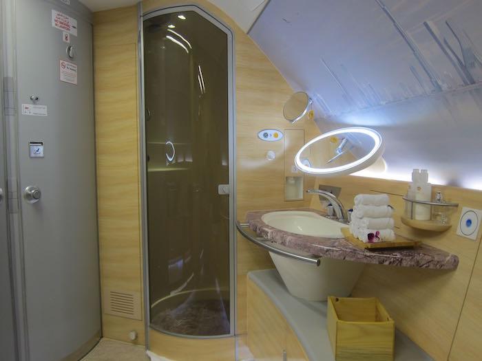 etihad airways shower