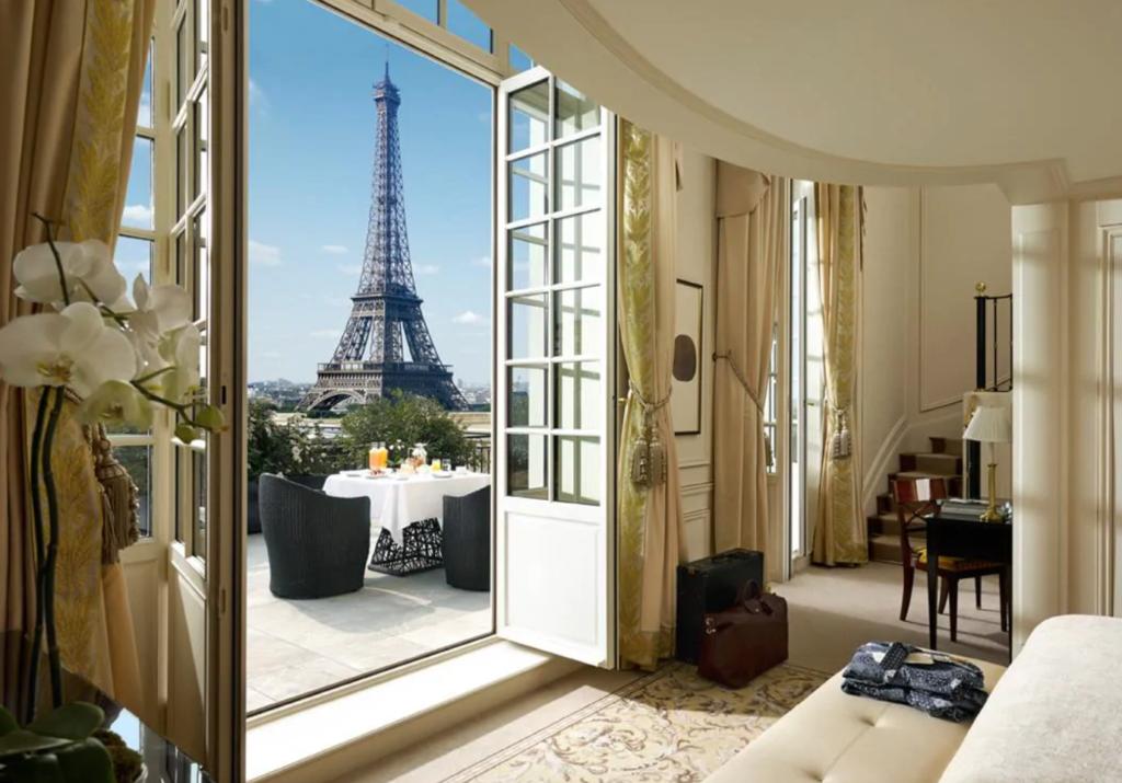 shangri-la-hotel-paris-1024x715