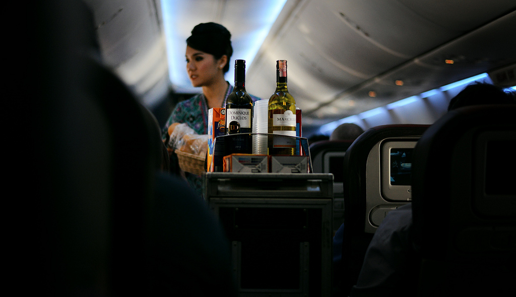 how to beat jet lag alcohol