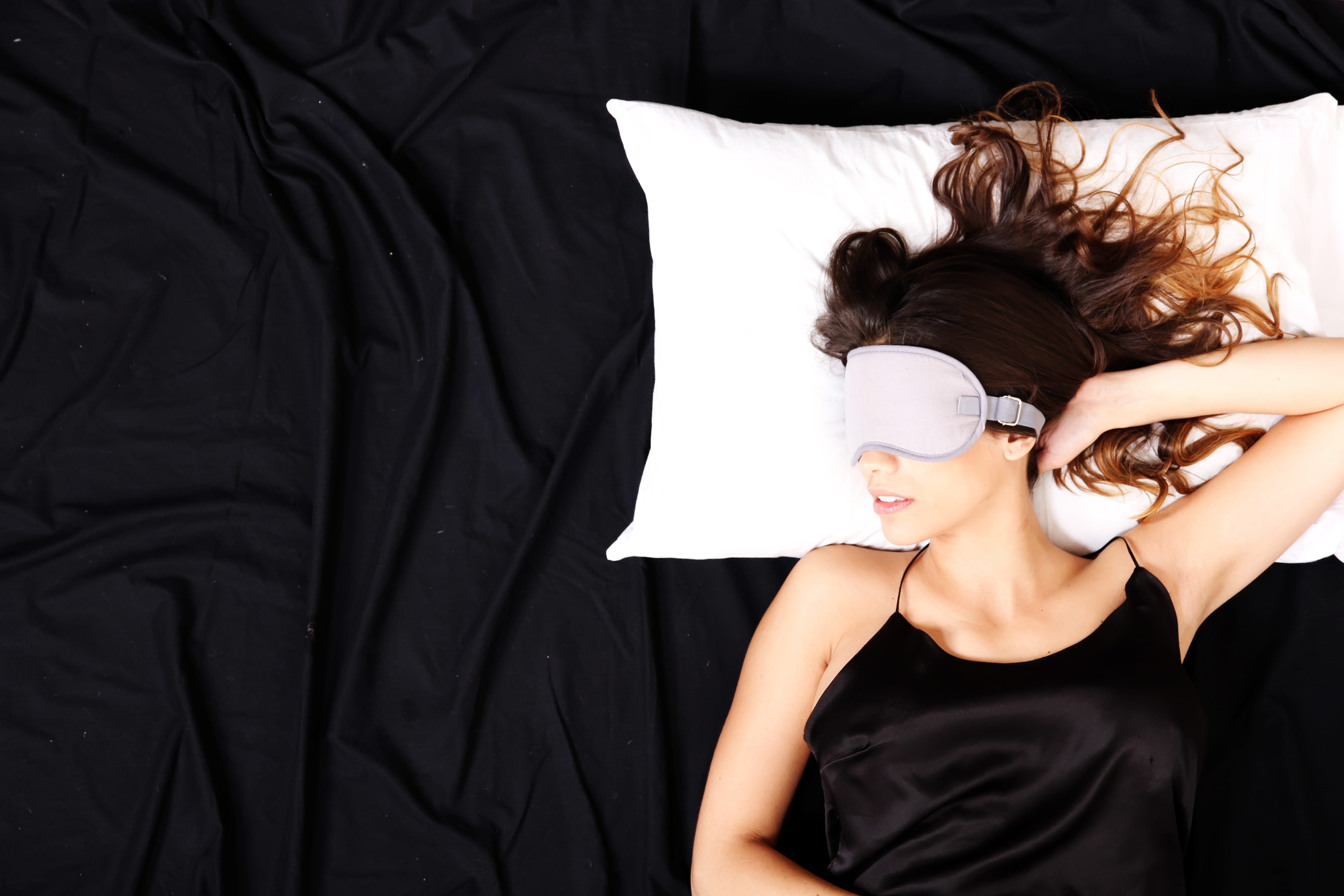 how to beat jet lag eye mask