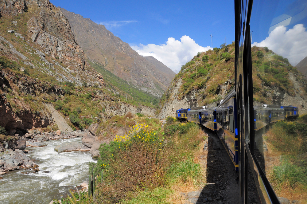 Train from Ollantaytambo goes to Machu Picchu