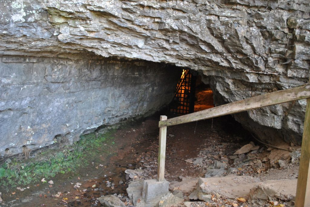 bell-witch-cave-tennessee