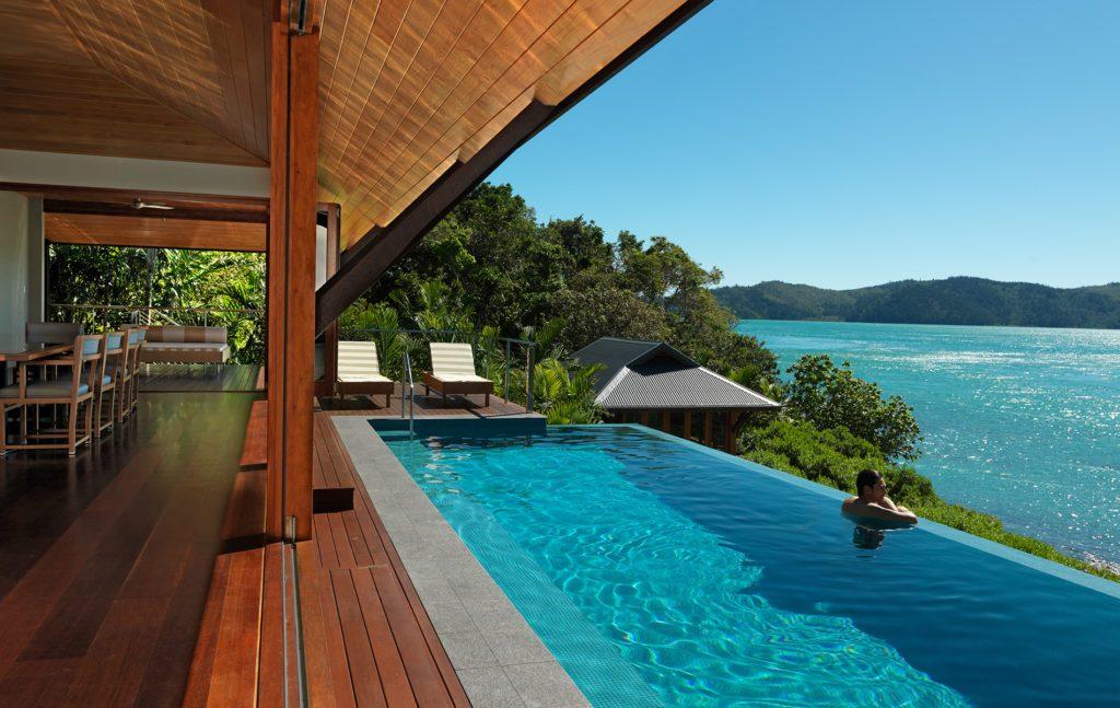 qualia-resort-hamltion-island-1024x647