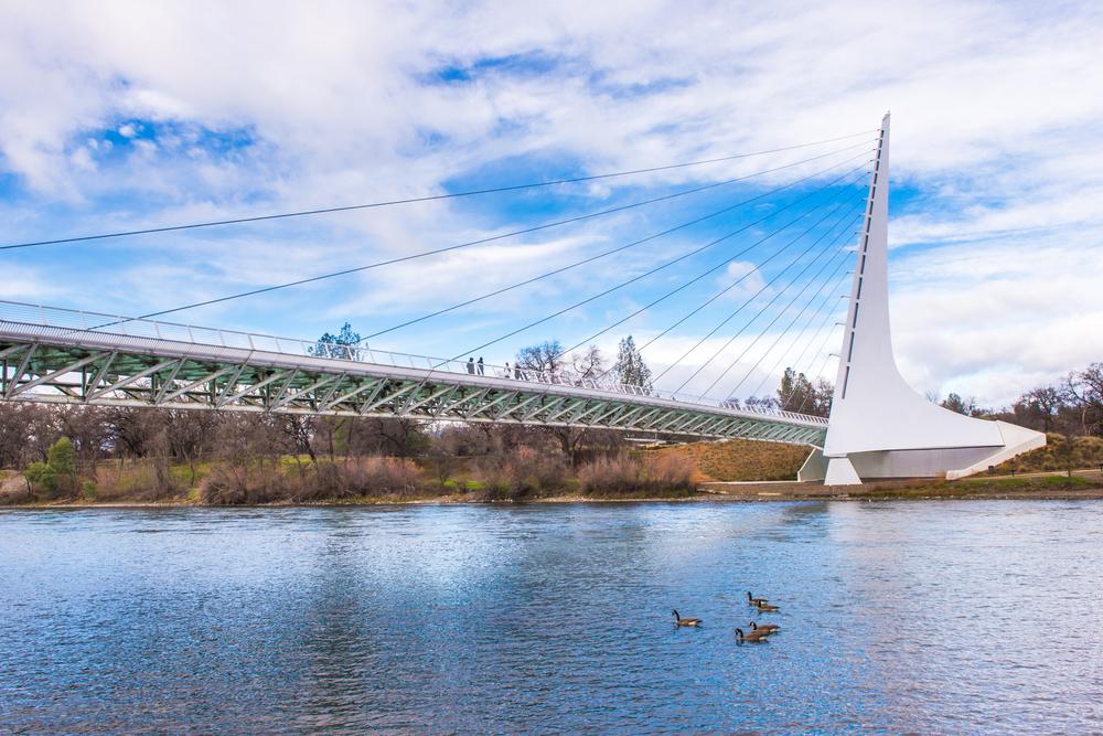 redding-california-bridge-sunny