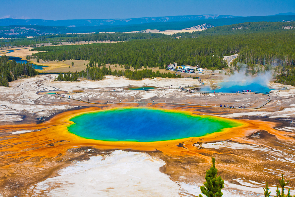 yellowstone-national-park-scary-places