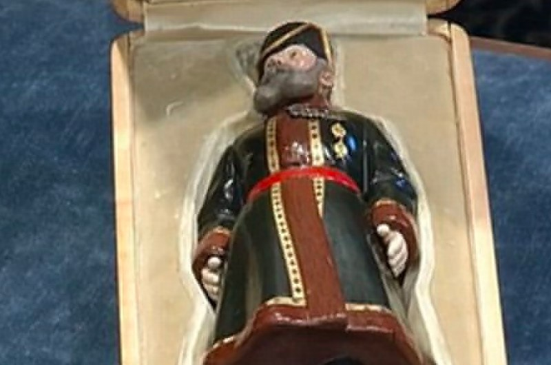 Family Finds A Figurine In The Attic That's Worth 5 Million Dollars