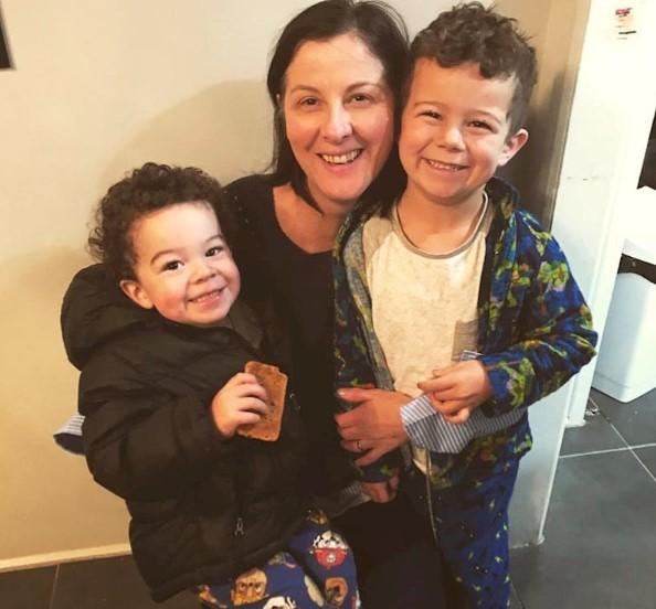 Single Mum Facing Homelessness Builds Her Own Tiny $10K Home